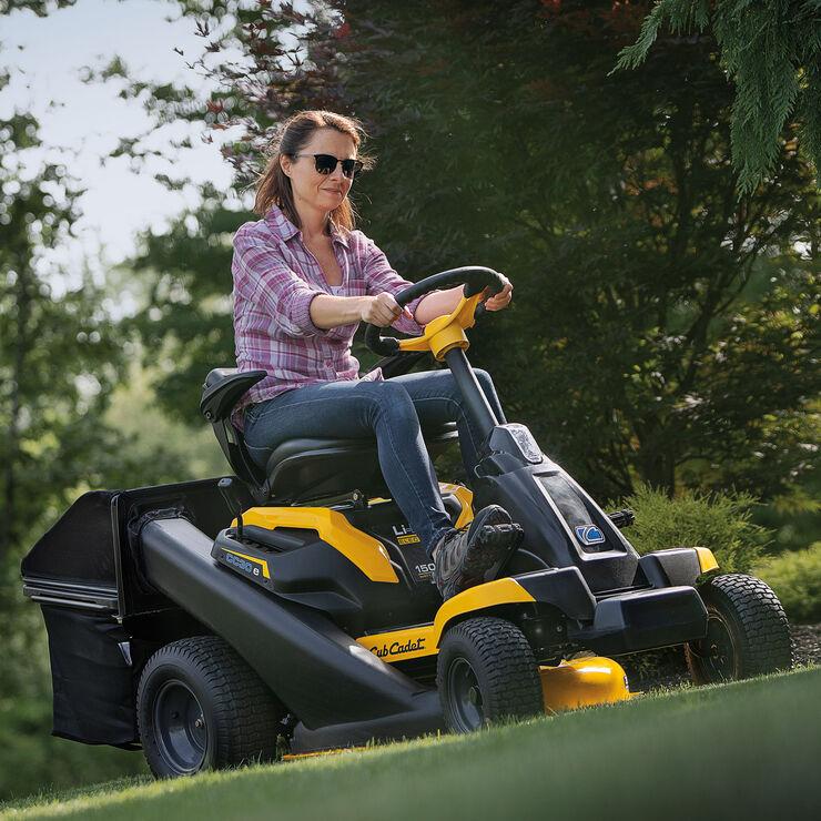 CC 30 e Electric Rider mowers Review