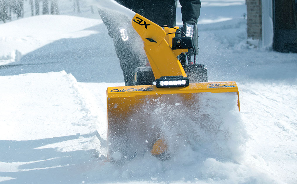 three-stage-snow-blower-blowing-snow