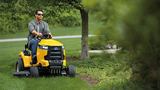riding lawn mower with intellipower engine