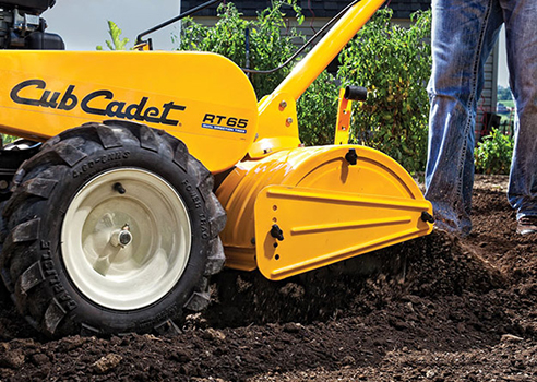 Cub Cadet RT 65 Tiller cultivating ground